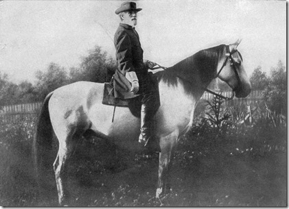 General_R._E._Lee_and_Traveler