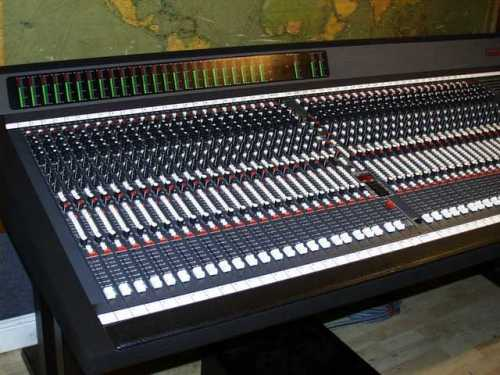 A 48-track mixing console of the type Bill Price would have used