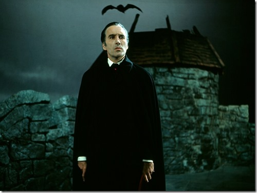 scars-of-dracula-1970-001-christopher-lee-cape-bat-00n-flt