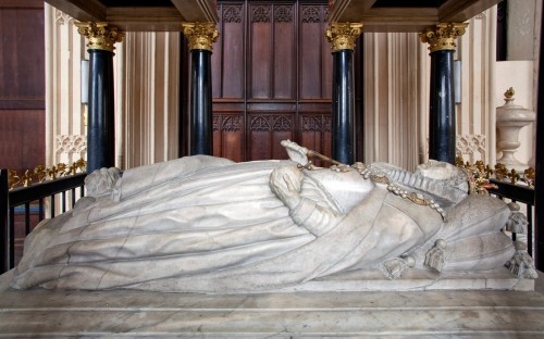 elizabeth-i-tomb-effigy-full