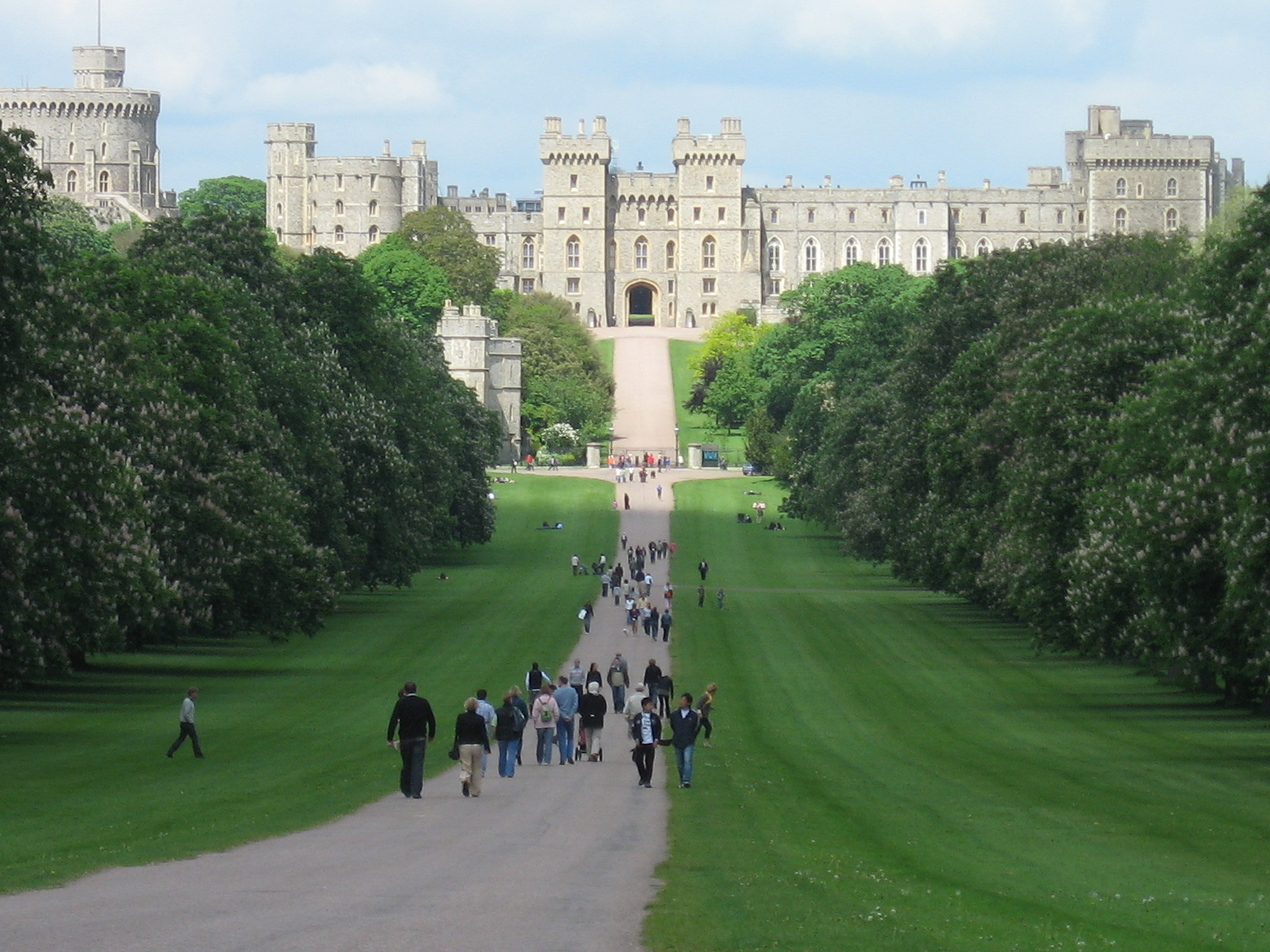 Windsor_Castle-Long_Walk