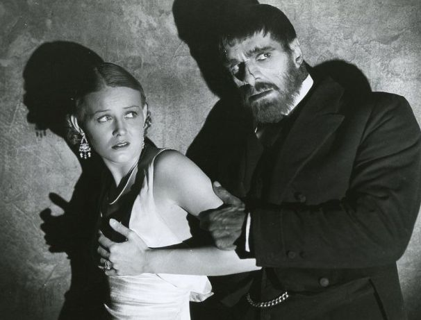Gloria_Stuart_and_Boris_Karloff_in_The_Old_Dark_House